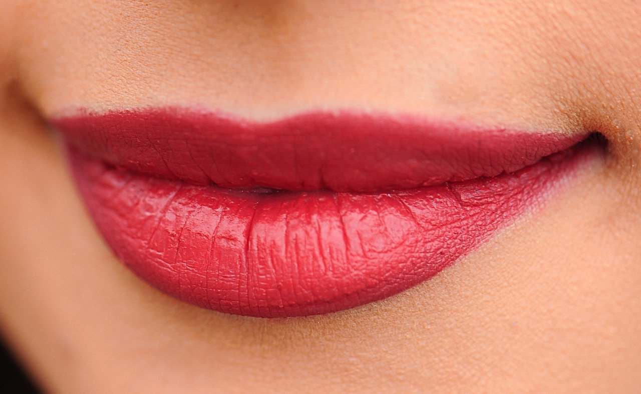 8-practical-tips-to-heal-dried-lips-this-winter