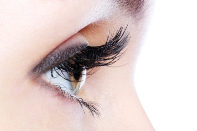 get-thick-and-long-eyelashes-using-home-remedies